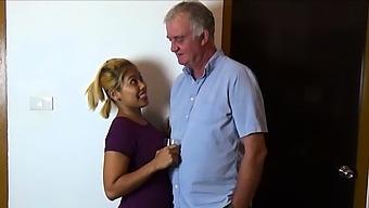 Anal threesome swinger wife fucks strangers